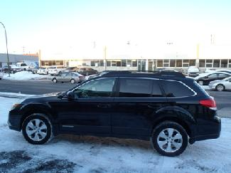 Subaru OUTBACK 3.6R AWD. LEATHER. 256HP..LIMITED. W/MULTIMEDIA. NAVIGATION. DVD 2010